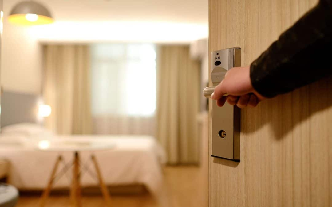 Comment assurer le succès de son établissement hôtelier grâce à une formation hôtelière spécifique?